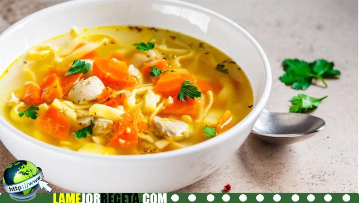 Receta de sopa de fideos con pollo